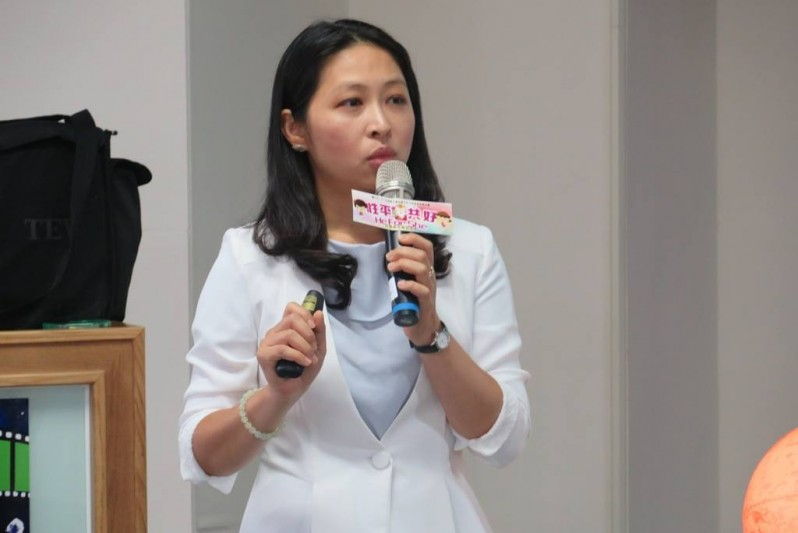 Dr Ching-Yu Huang connects with Taiwan