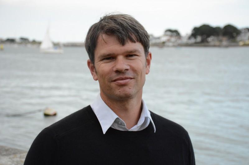 Professor Rob Britton