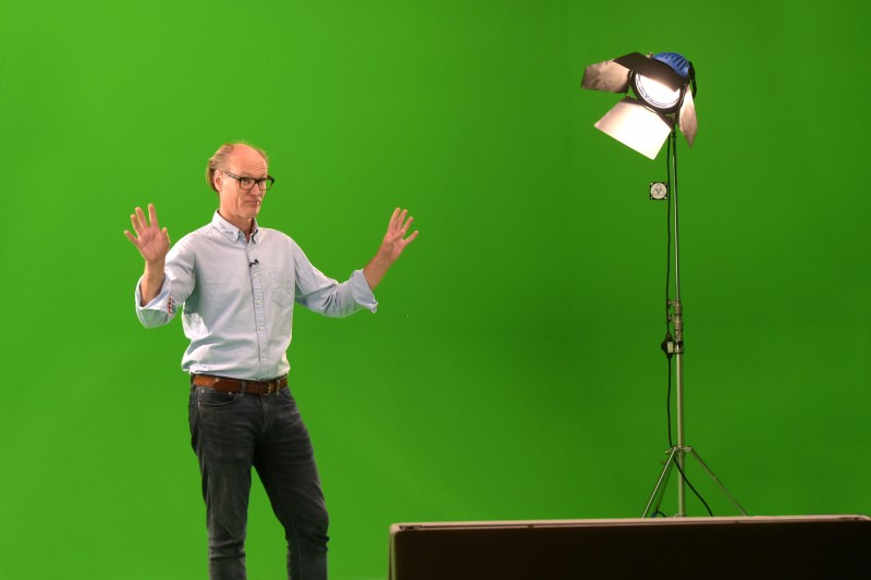 Will Gompertz green screen