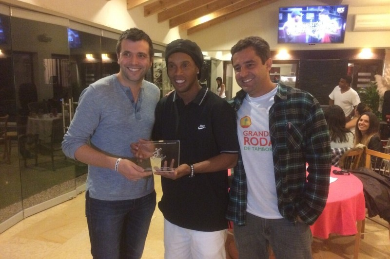 Dan Wood with Ronaldinho