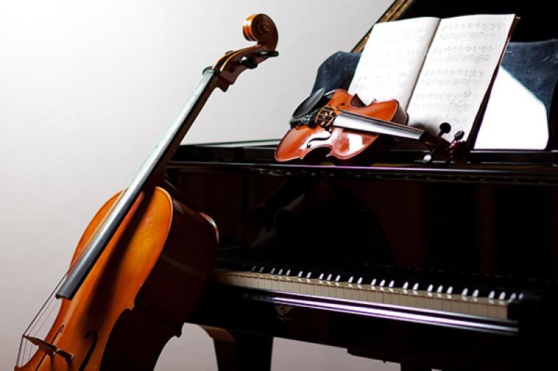 piano, violin and double base