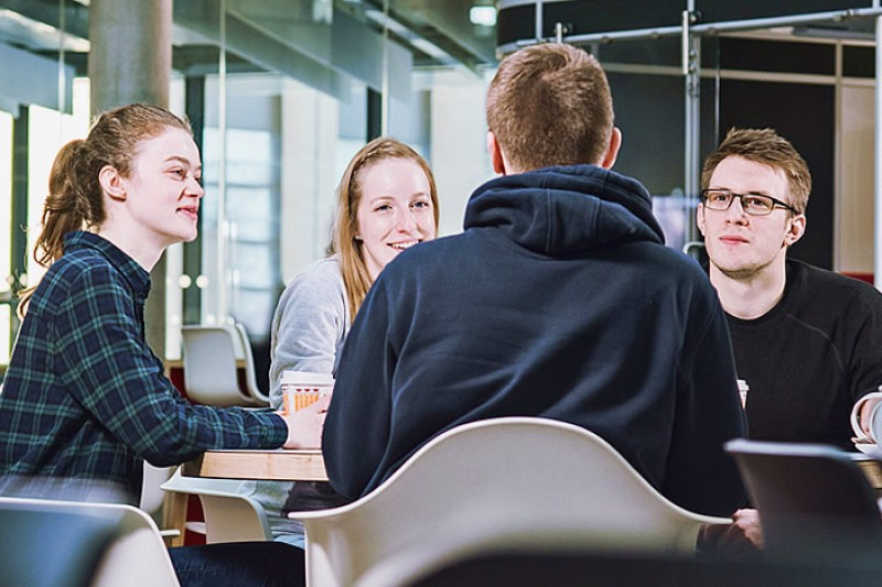 Image of students in the restaurant