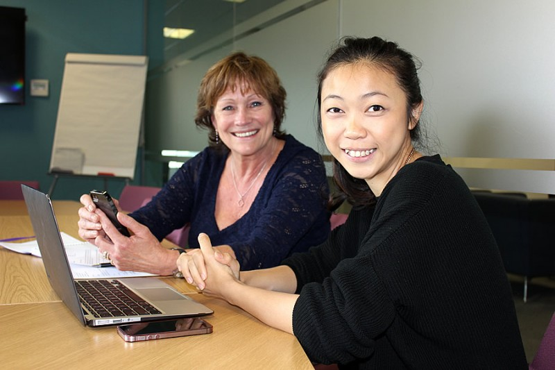 (L-R) Dr Judith Chapman and Ciayi Lim