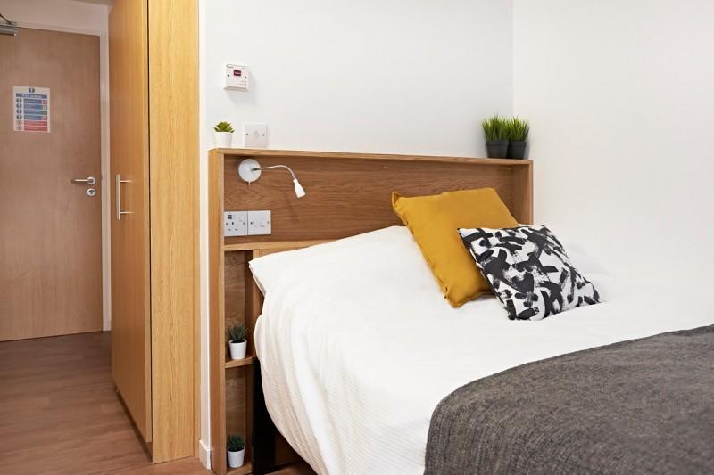 Lyme Regis House bedroom