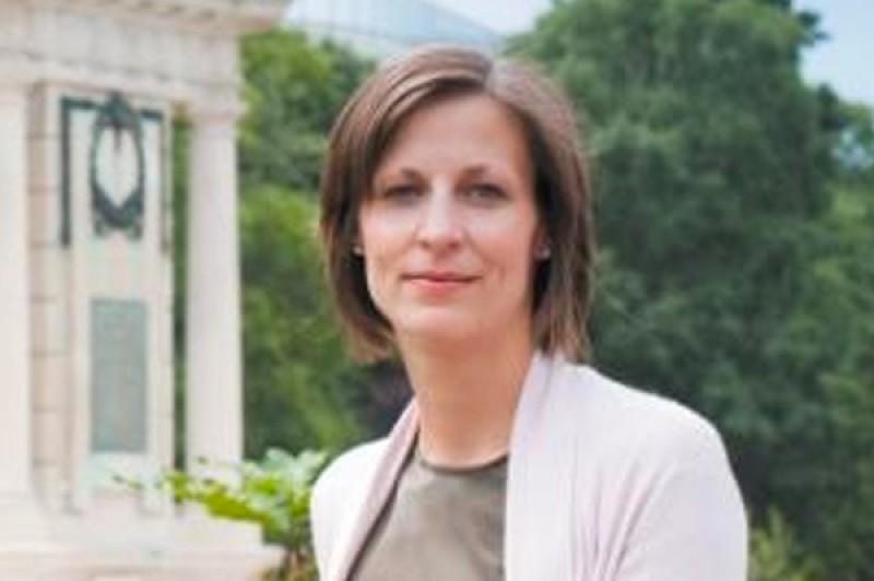 Dr Melanie Klinkner