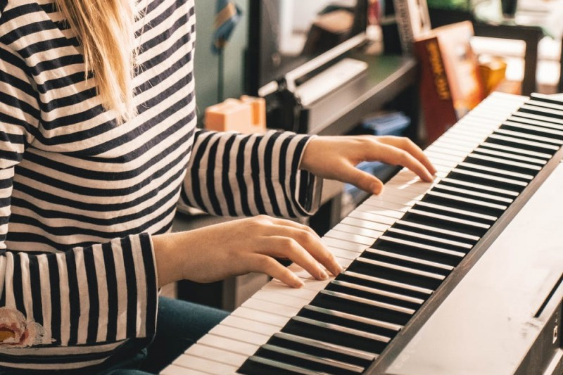 Virtual choir and online music lessons