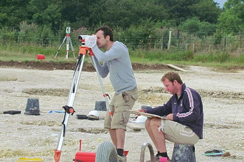 Planning and levelling of archaeological features