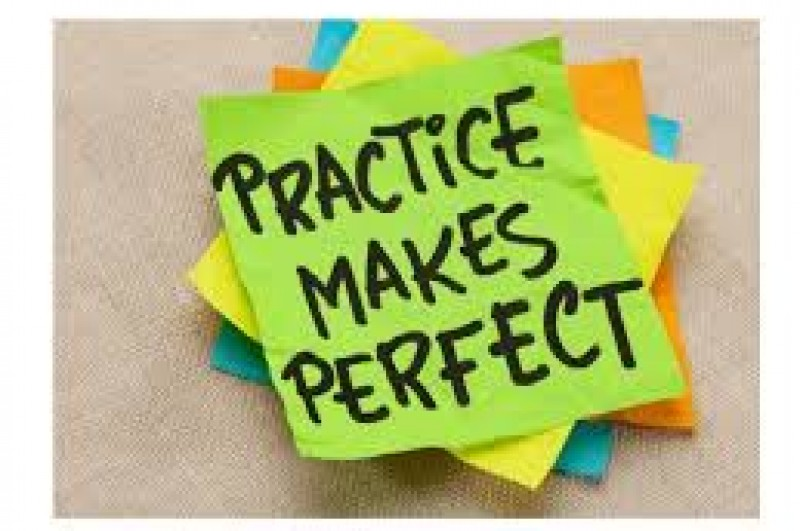 Post-it note saying practice makes perfect