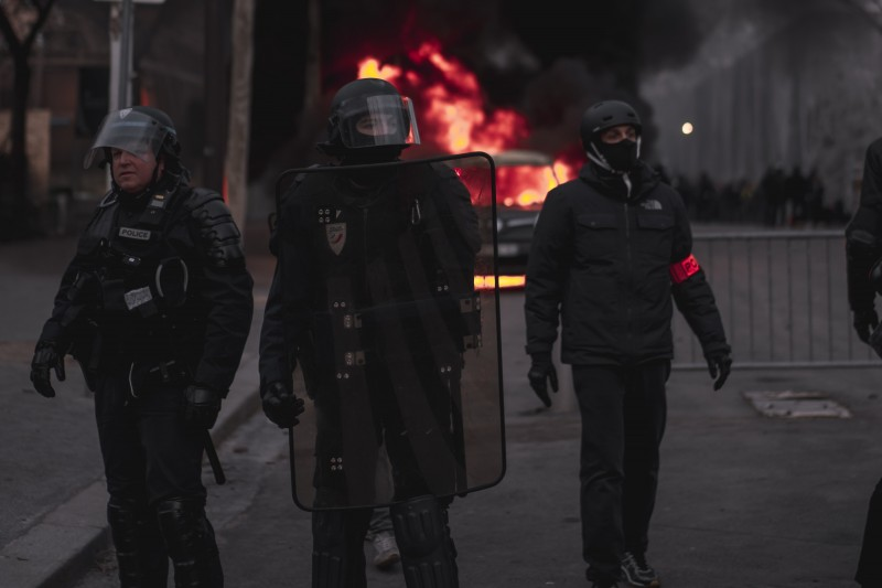 BU academic creates guide to covering riot control for US journalists