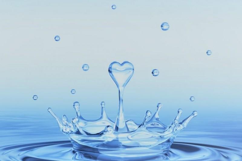 Water drop shaped as a heart