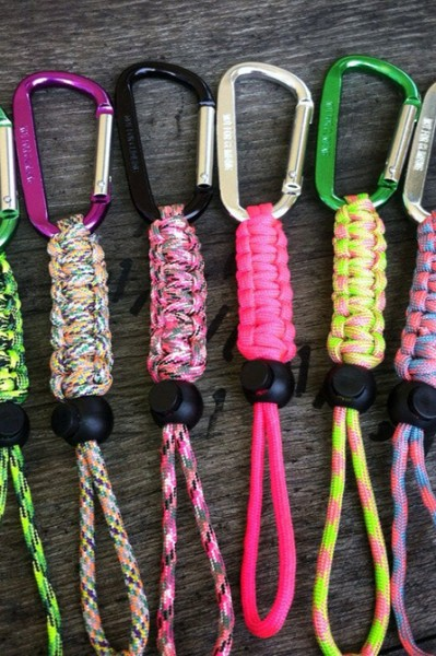 Well-made craft workshop - paracord bottle holders