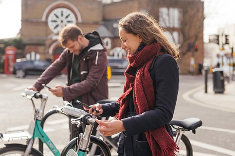 Beryl Bikes people using app