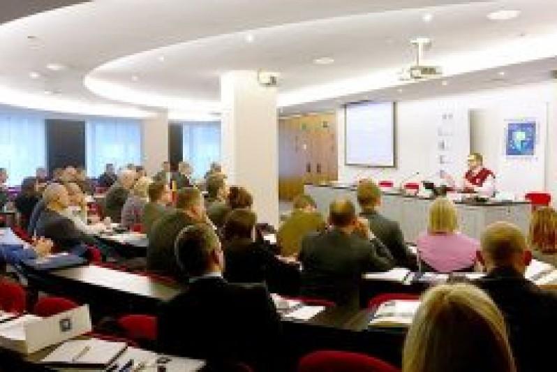 Professor Sascha Dov Bachmann during his presentation of Hybrid Warfare and Cyber – enhanced Lawfare