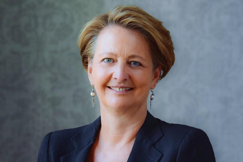 Edwina Dunn