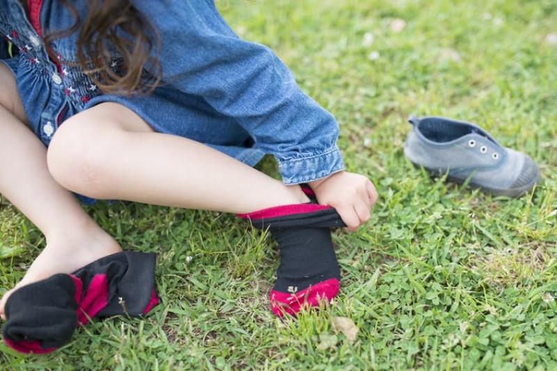 Some autistic people are sensitive to certain fabrics. Purino/Shutterstock.com